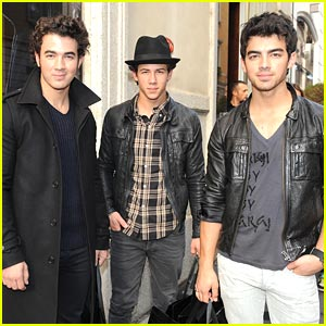 Jonas Brothers Shop Gianfranco Ferre