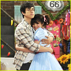 David Henrie & Selena Gomez: Dollhouse Rescue!
