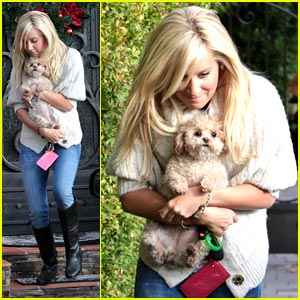 Ashley Tisdale is Sunday Silly