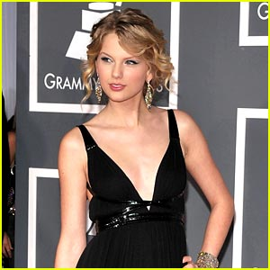 Taylor Swift Scores Eight Grammy Nominations!