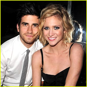 Brittany Snow Joins Ryan Rottman on Twitter!