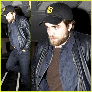 Robert Pattinson: Bearded Host for Hope for Haiti
