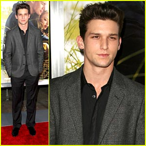 Daren Kagasoff: Definitely Pleased with Underwear Pics