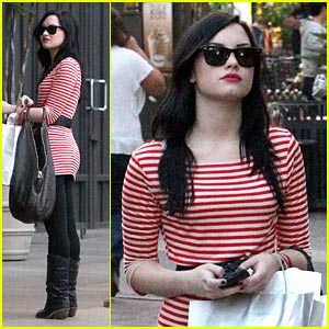 Demi Lovato is a Striped Shopper