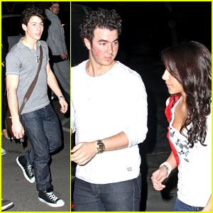 Kevin, Danielle, Nick and Frankie Jonas: Party at Pinz