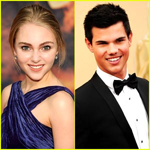 AnnaSophia Robb & Taylor Lautner Nab Kids Pick Top Honors
