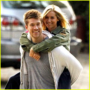 Ashley Tisdale & Scott Speer: Piggyback Pair
