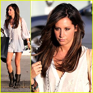 Ashley Tisdale: American Idol Family Night!