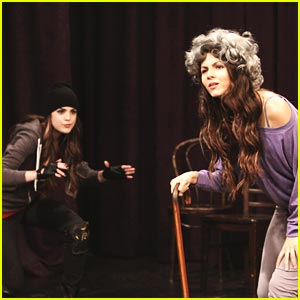Victoria Justice & Liz Gillies: Stage Fight!