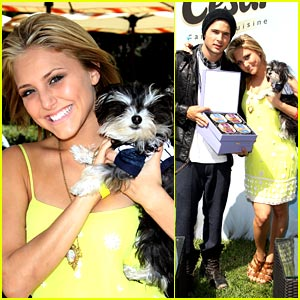 Cassie Scerbo & Cody Longo: Dog & Baby Buffet Duo