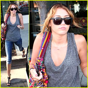 Miley Cyrus is Mani-Pedi Pretty