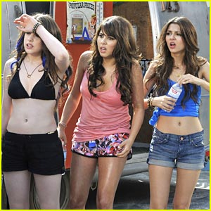 Victoria Justice & Daniella Monet: Heat Wave Hotties