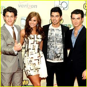 Jonas Brothers Premiere Camp Rock 2!