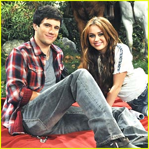 Miley Cyrus: Date with Drew Roy!