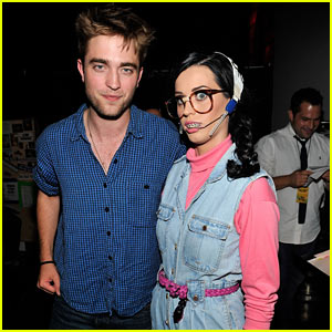 Robert Pattinson: Teen Choice Awards with Katy Perry!
