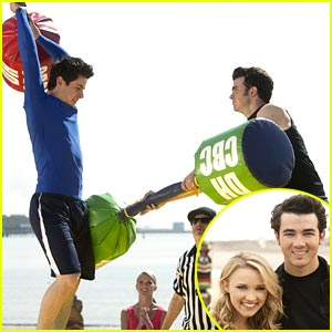 David Henrie &#038; Emily Osment on JONAS L.A. -- FIRST LOOK!