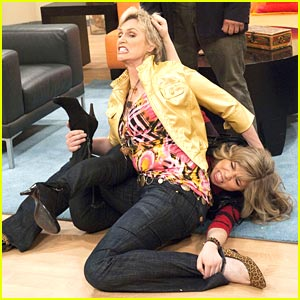 Jennette McCurdy & Jane Lynch: Pile of Pucketts!