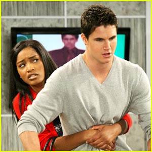 Keke Palmer &#038; Robbie Amell: Segway Sweeties