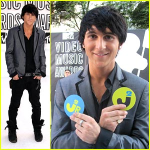 Mitchel Musso: Guess Who Is Playing Jeremy's Mom!