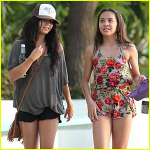 Vanessa Hudgens: Hawaii with Sister Stella!