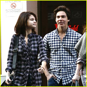 Selena Gomez: Westfield Mall with Cameron Quiseng!