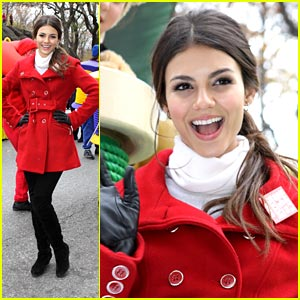 Victoria Justice: Macy's Thanksgiving Parade 2010!
