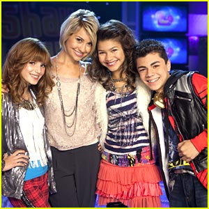 Bella Thorne & Zendaya 'Shake Up' New Year's Eve!