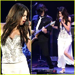 Selena Gomez: Genie at the Jingle Ball