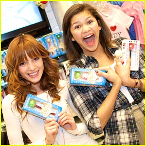 Bella Thorne & Zendaya: Shake Up Vegas!