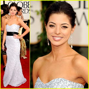 Gia Mantegna: Miss Golden Globe 2011 Arrives!