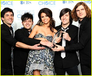 Selena Gomez & The Scene: Favorite Breakout Artist Winners!