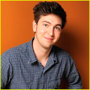 Nicholas Braun Finds a 'Brave New World'