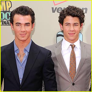 Nick Jonas: Vote for Kevin at the KCAs!