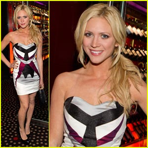 Brittany Snow: Rare Dinner Date with Vanessa Hudgens