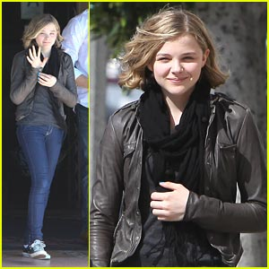 Chloe Moretz: Spanish Kitchen Cute