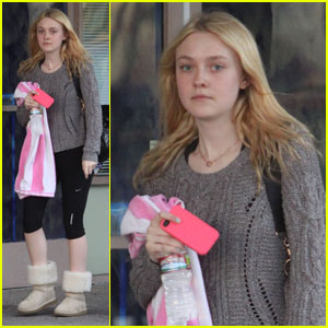 Dakota Fanning: Yoga Session in Studio City