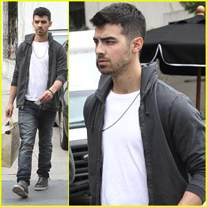 Joe Jonas: Allsaints Spitalfields Shopper