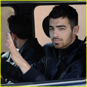Joe Jonas: Cruisin' in the G-Wagen
