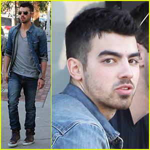 Joe Jonas: Joan's on Third Lunch!