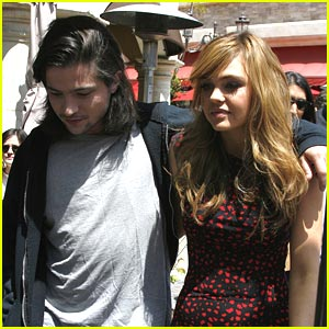 Aimee Teegarden &#038; Thomas McDonell: From The Grove to Glendale