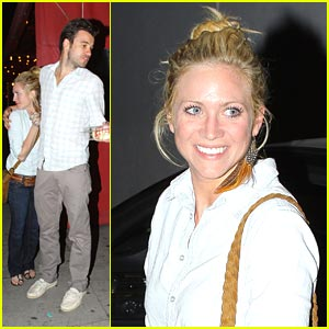 who dating brittany snow
