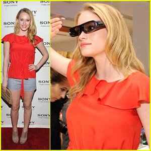 Leven Rambin: The Hunger Games' Glimmer