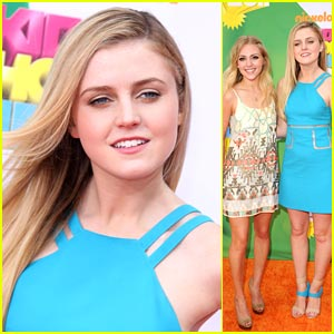 Lorraine Nicholson: Cool Blue at the KCAs