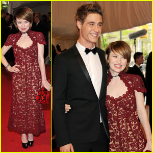 Emily Browning &#038; Max Irons: MET Ball Mates!