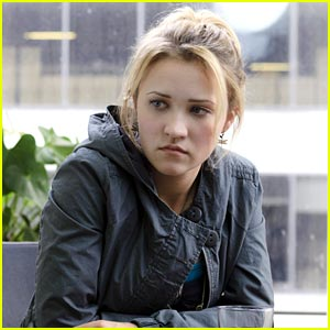 Emily Osment Deletes Digital Drama in 'Cyberbully'