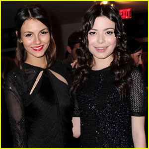 Victoria Justice & Miranda Cosgrove Headed to Memphis!