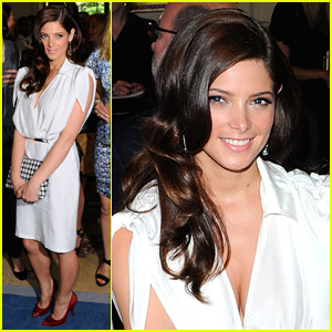 Ashley Greene: Ferragamo Fashion Show