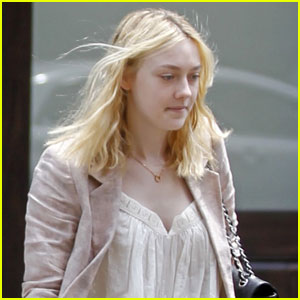 Dakota Fanning Catches A Cab