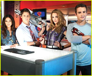 Matt Shively & Malese Jow Join 'The Troop'
