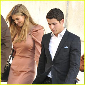 Nick Jonas & Delta Goodrem: Les Miserables Mates